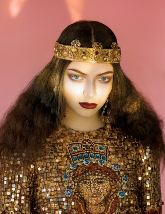lorde-royal-wild-magazine5